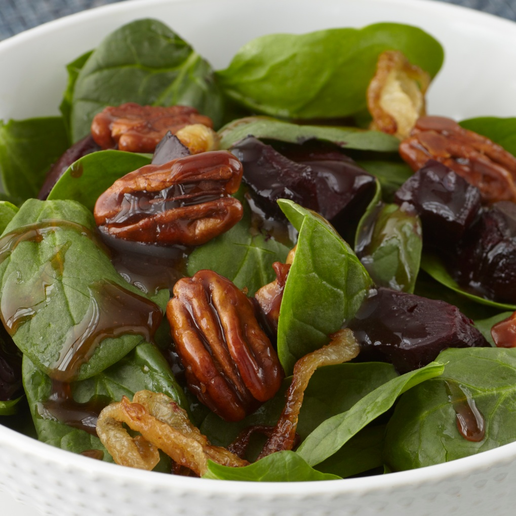 Roasted_Beets_&_Candied_Walnut_Spinach_Salad
