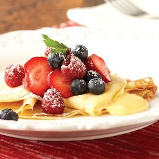 Lemon_Cream_&_Berry_Crepes